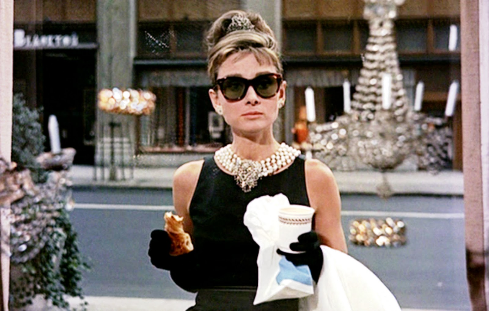 1497505171 breakfast at tiffanys